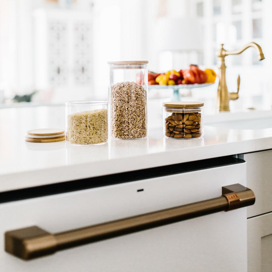 Storing bulk foods in glass containers